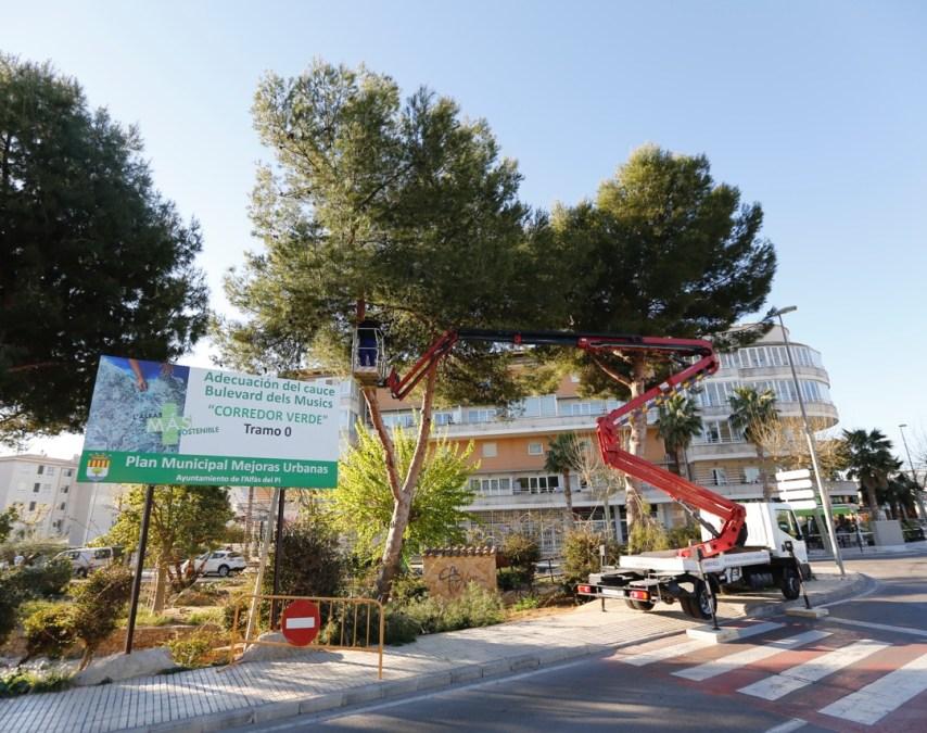 El Ayuntamiento de l'Alfàs acomete la limpieza y puesta a punto del Bulevar dels Músics