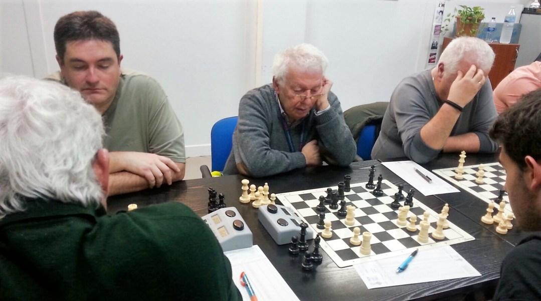 El  club de  ajedrez de l'Alfàs del Pi  sigue primero  de la liga autonómica tras ganar al Xeraco