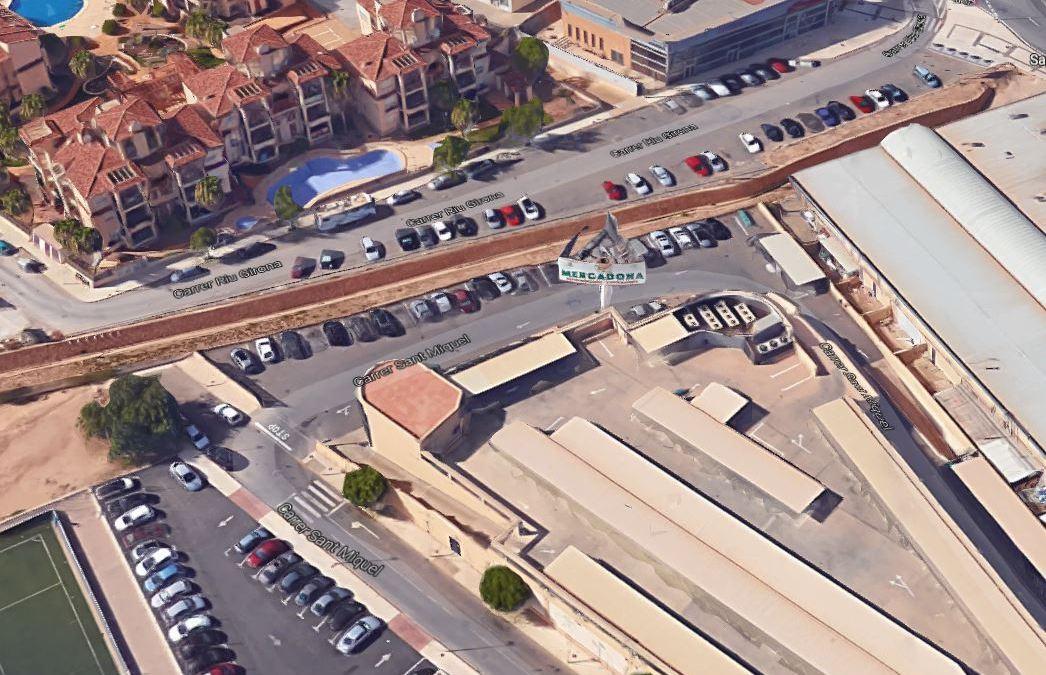 El Ayuntamiento mejorará el tráfico en la entrada de l'Albir con la construcción de un puente en la calle San Miguel