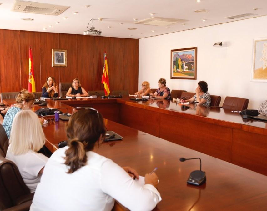 La concejalía de Residentes se reúne con los colectivos de ciudadanos extranjeros