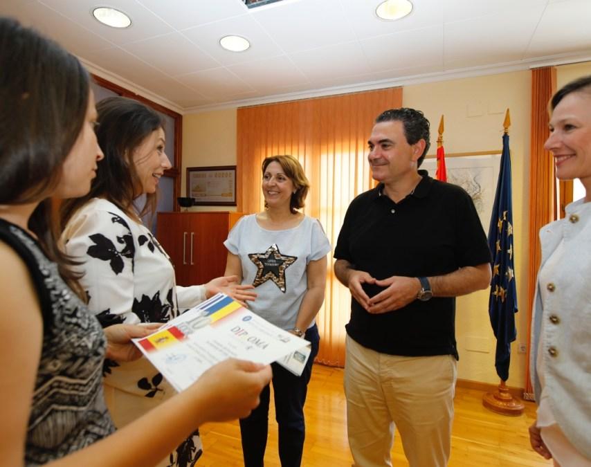 Curso de Lengua, Cultura y Civilización Rumana en España, en l'Alfàs del Pi, con alcalde Vicente Arques
