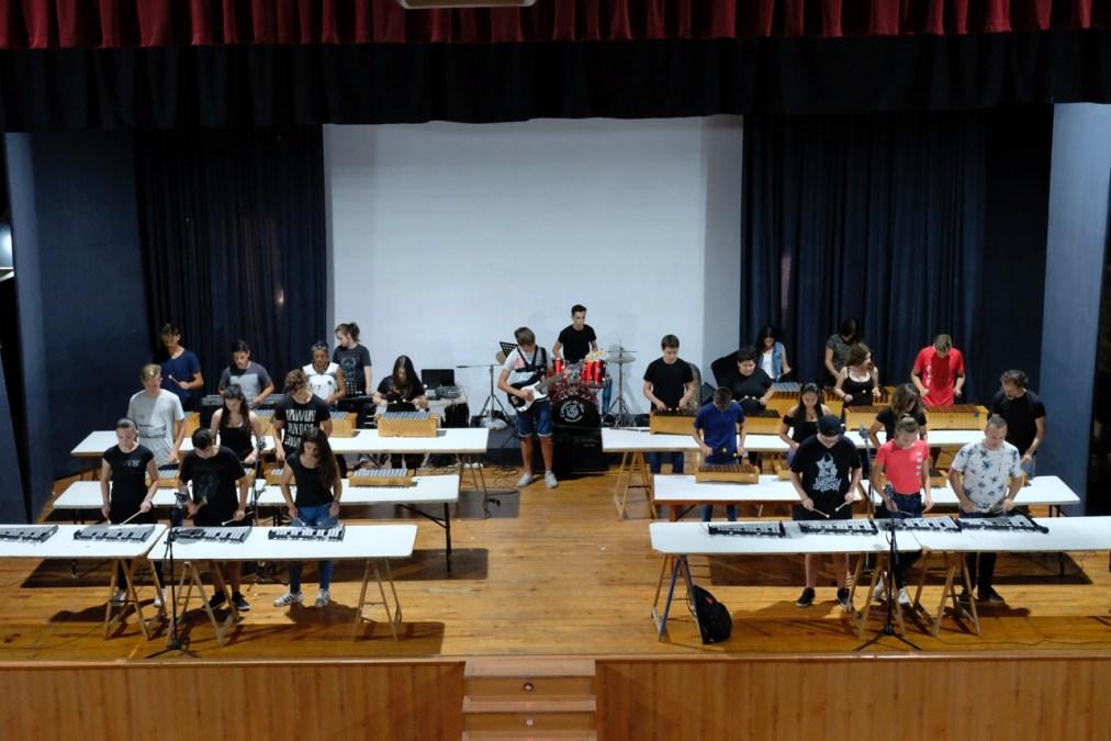 Alumnos de música del IES l'Arabí ofrecen un concierto en la Casa de Cultura
