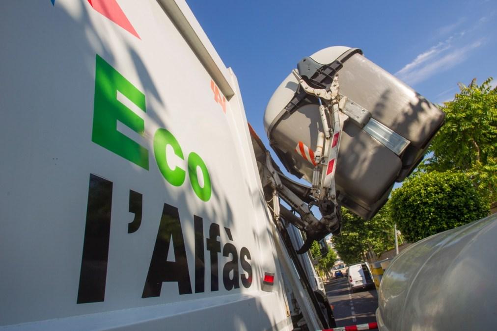 El Ayuntamiento de l'Alfàs reforzará el servicio de  limpieza viaria durante el verano
