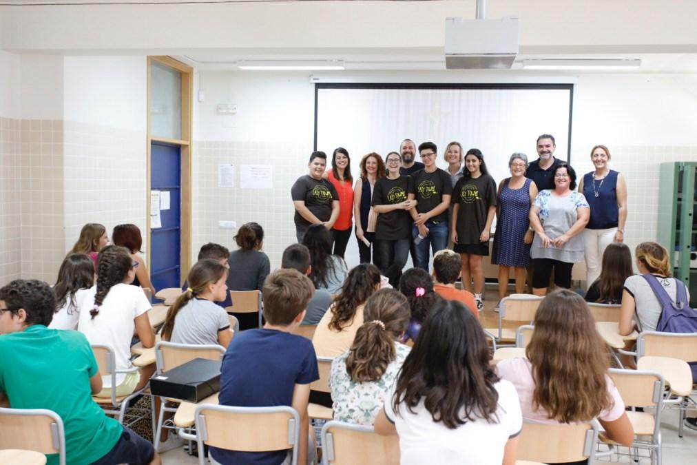 El alcalde felicita a los estudiantes alfasinos premiados en el proyecto europeo EASY Towns