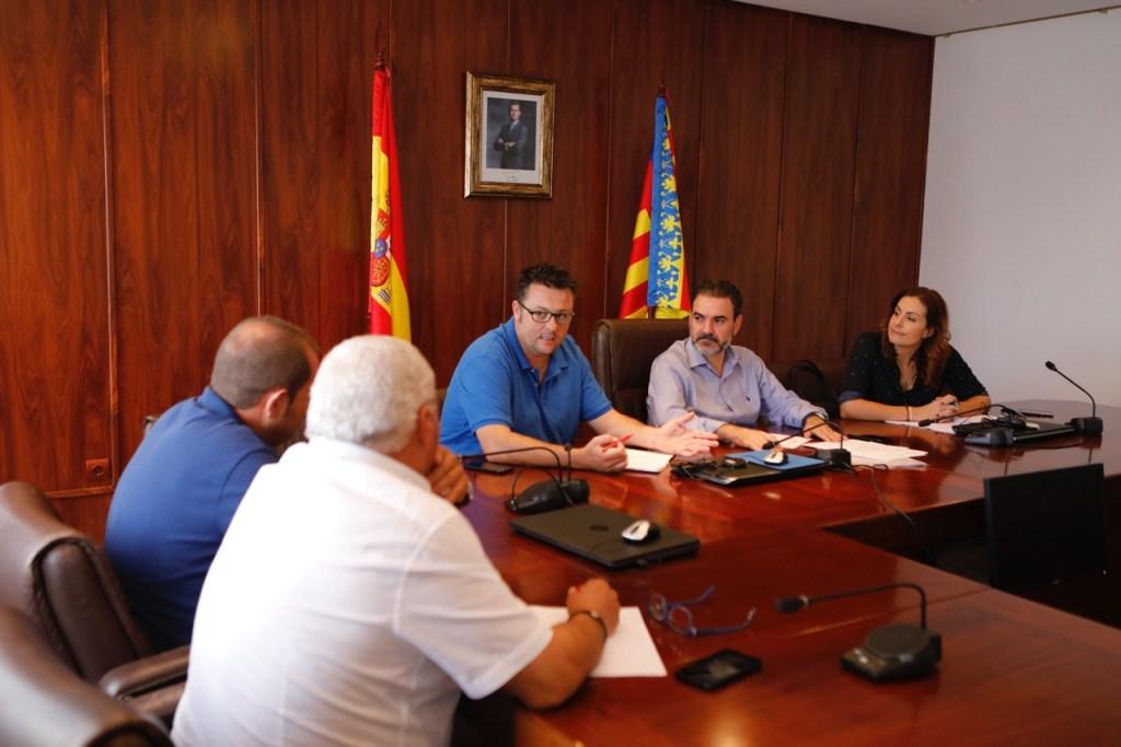 reunión alcalde l'Alfàs con técnicos plan limpieza 2017