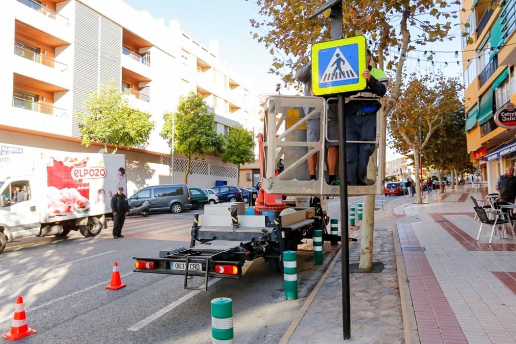 El Ayuntamiento de l'Alfàs instala señales de tráfico luminosas para mejorar la visibilidad