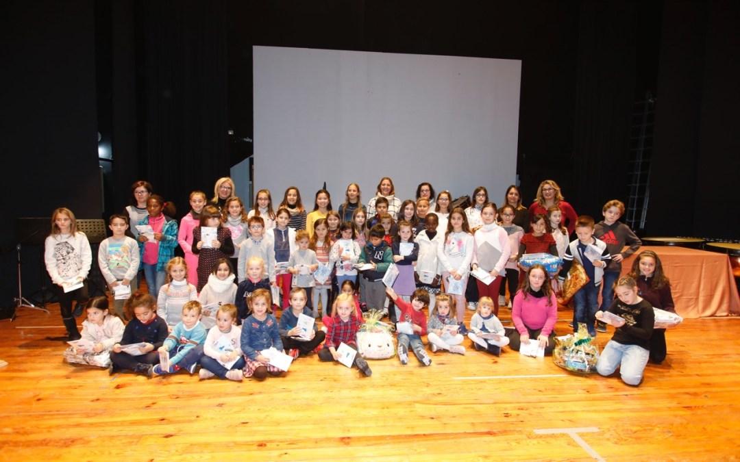 Marina Alvado y Shara Rubio ganan el concurso de tarjetas navideñas convocado por Educación