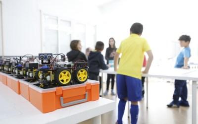 Aprender a programar un robot jugando