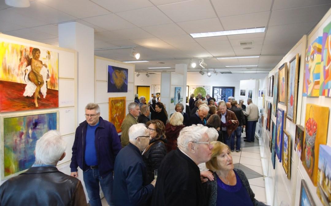 Una veintena de artistas de Kuntsgruppen Costa Blanca participan en una exposición colectiva en l'Alfàs