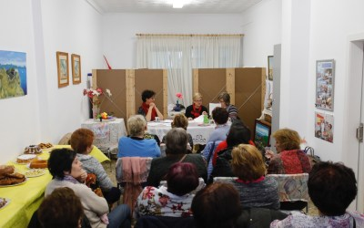 Arrancan los actos de la Semana de la Mujer con una tarde literaria en la sede de las amas de casa