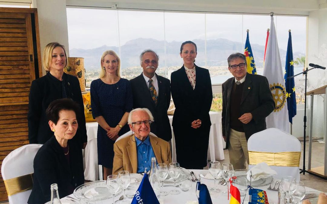Johan Galtung recibe la máxima distinción de Rotary International