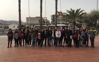 Cerca de 40 jóvenes de l'Alfàs visitan el Salón del Manga con la concejalía de Juventud