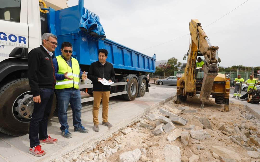L'Alfàs construye unos aseos públicos en la Plaza de les Escoles Velles