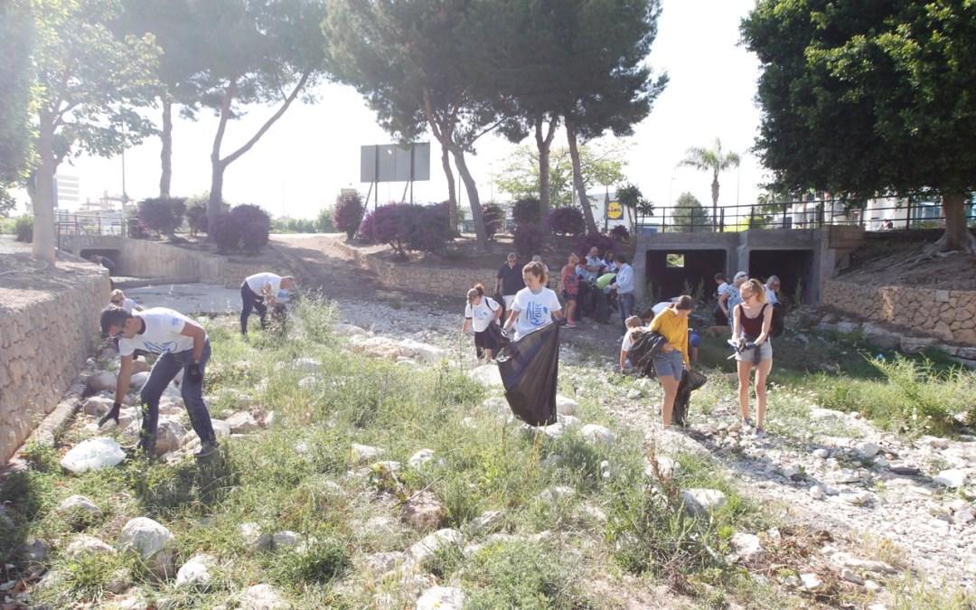 L'Alfàs celebra las I Jornadas de Limpieza de Plásticos en l'Albir