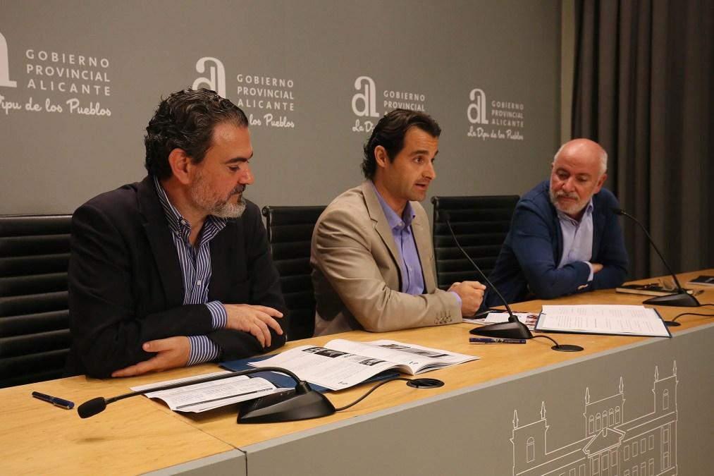 El 30 Festival de Cine de l'Alfàs entregará su Faro de Plata a Manuel Gutiérrez Aragón y a Alex García