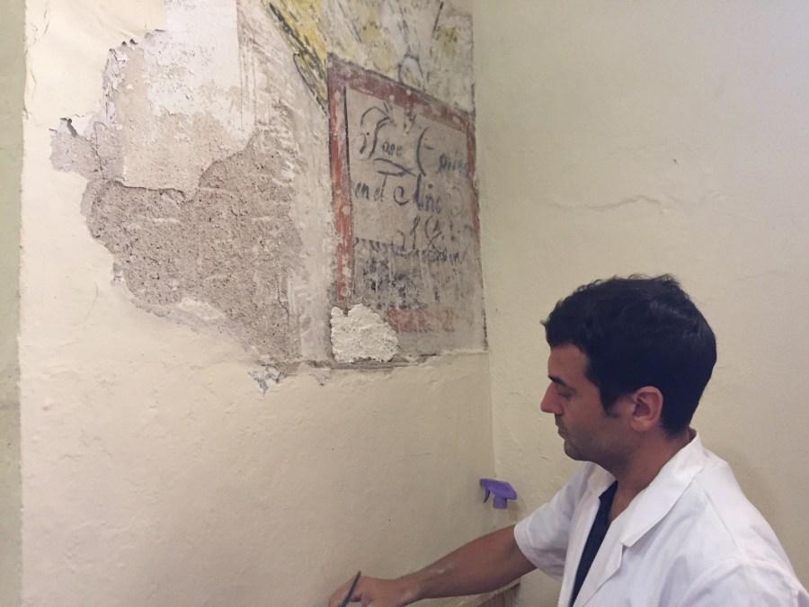 Patrimonio recupera una vieja pintura de la Parroquia de San José e investiga su origen