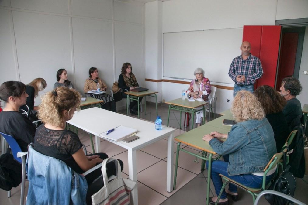 Ya han comenzado los talleres de escritura creativa y dibujo que organizan la concejalía de Cultura y FOLIAS