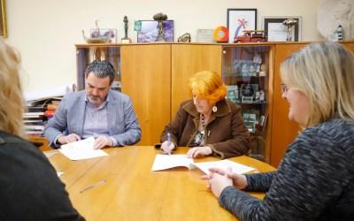 El Ayuntamiento de l'Alfàs renueva su colaboración con AFEM Marina Baixa