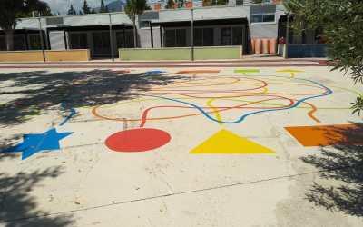 Nuevos juegos de colores en el patio del colegio público Veles e Vents de l'Alfàs