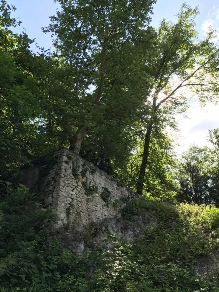 Mauern Richtung Schloss Birseck