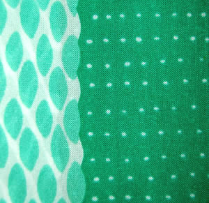 Long green design scarf made in Italy
