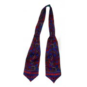 Bright paisley design silk cravat with a green rayon lining.