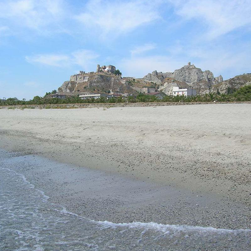 La spiaggia di roccella Ionica la locride 3