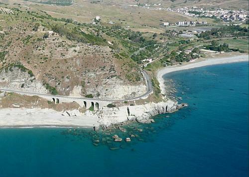 la spiaggia di Capo_bruzzano_la Locride 1