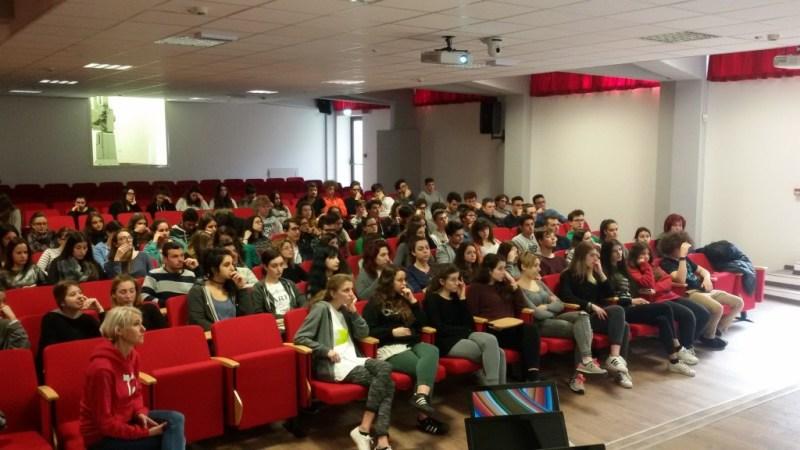 """Il """"gioco"""" della Democrazia al liceo Medi di Senigallia"""