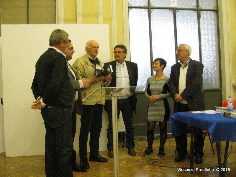"""Con """"Convivio in versi"""" una mappatura democratica della poesia marchigiana"""