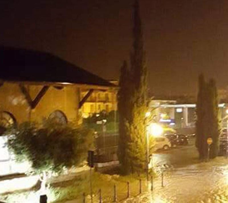 Nella notte allarme maltempo a Marotta: strade, sottopassi e scantinati allagati
