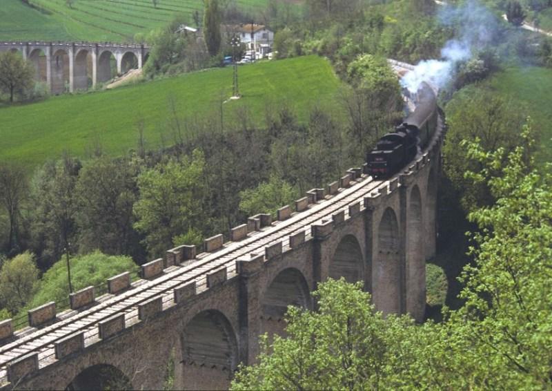 Trent'anni fa l'ultimo treno da Fano raggiunse Urbino