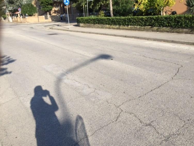 """SENIGALLIA / Riccardo Pizzi a Monachesi: """"Assessore dove sono le strisce per i pedoni?"""""""