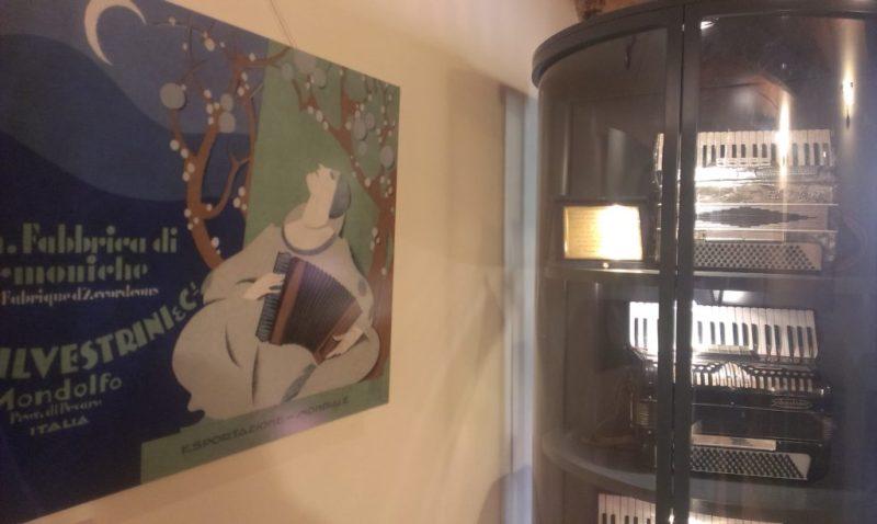 MONDOLFO / La memoria della fisarmonica al museo civico