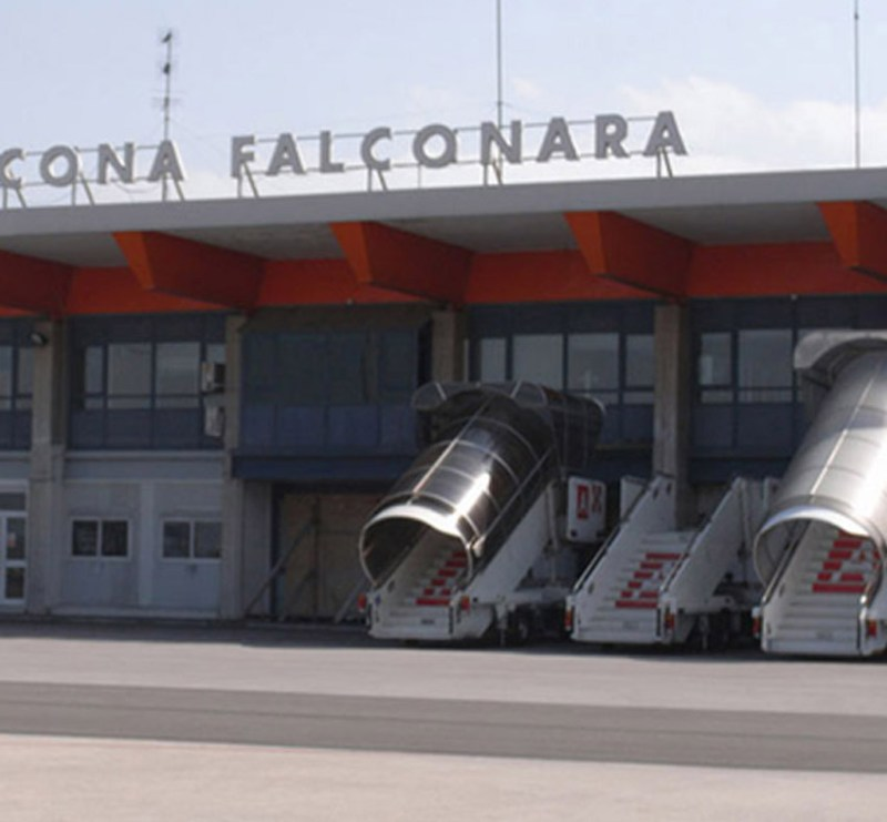 Via libera al bando per la vendita di Aerdorica, la società che gestisce l'aeroporto di Falconara