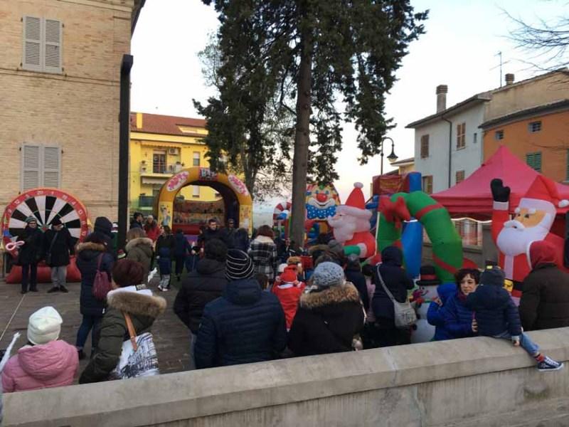 TRECASTELLI / Tante famiglie al Villino Romualdo per SconvolgiNatale