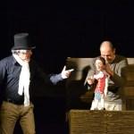 URBINO / Domenica ancora a teatro con mamma e papà, ultimo appuntamento con Robinson Crusoe