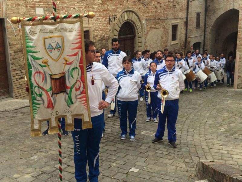 Entusiasmante debutto a Corinaldo della nazionale della Lega Italiana Sbandieratori