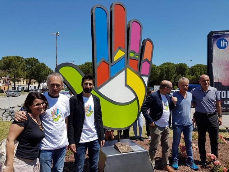A Jesi un punto di contatto tra culture: inaugurato il monumento di Piazzale San Savino
