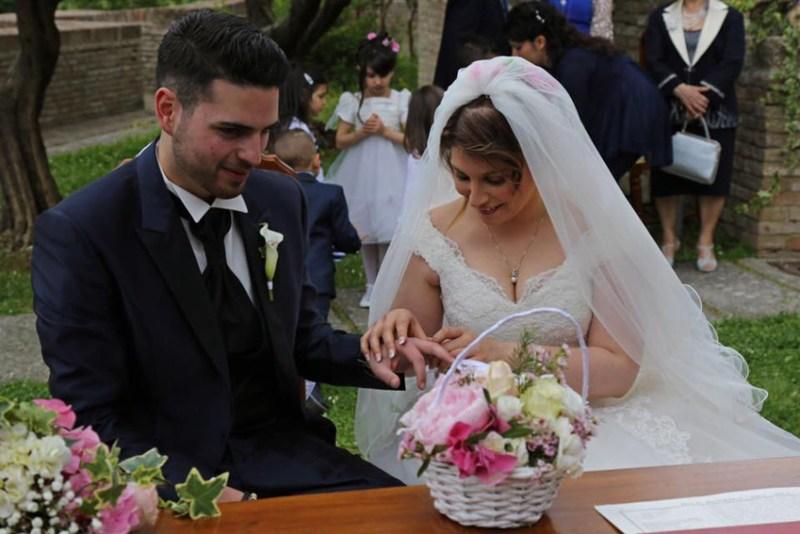 Matrimonio in regalo per una giovane coppia di terremotati