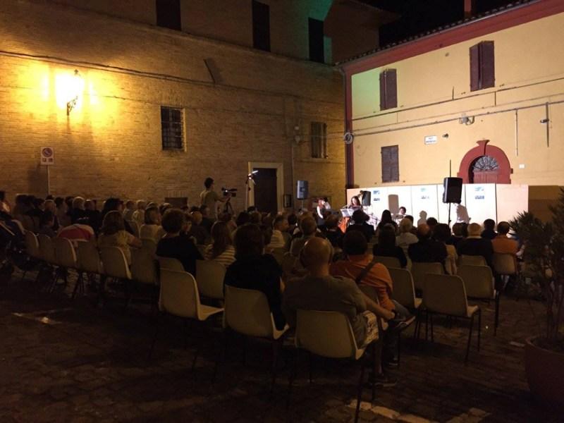 Domenica a Castelleone di Suasa una serata dedicata alla poesia e alla musica