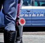 Tentano di vendere a Fano un Suv rubato a Napoli, due persone denunciate dagli agenti della polizia stradale
