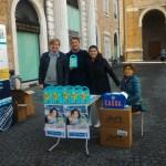 """Anche Senigallia in piazza con i volontari dell'Airc per """"I Cioccolatini della Ricerca"""""""