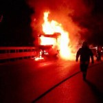 Autostrada bloccata nella notte a Montemarciano per l'incendio di un Tir