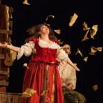 """""""Romeo e Giulietta. L'amore è saltimbanco"""": la commedia dell'arte venerdì al Teatro Valle di Chiaravalle"""