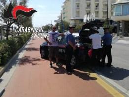 carabinieri commercio abusivo lungomare SENIGALLIA2019-07-16-x0 (3)