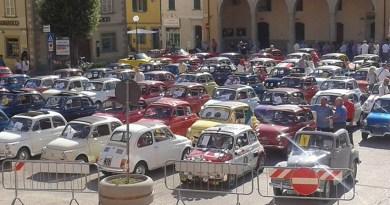 Domenica a Fermignano torna il raduno delle Fiat 500