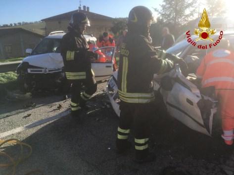 OSTRA VETERE incidente arceviese auto feriti vdf2019-12-14 (1)