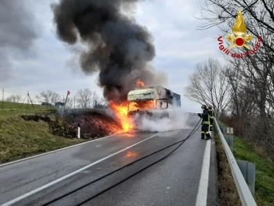 JESI incendio camion vdf2020-01-20 (2)