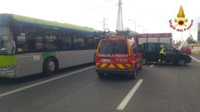 FALCONARA incidente statale auto bus vdf2020-05-28 (1)